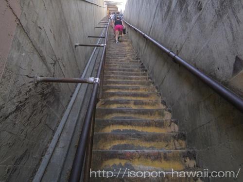ダイヤモンドヘッド_99段階段