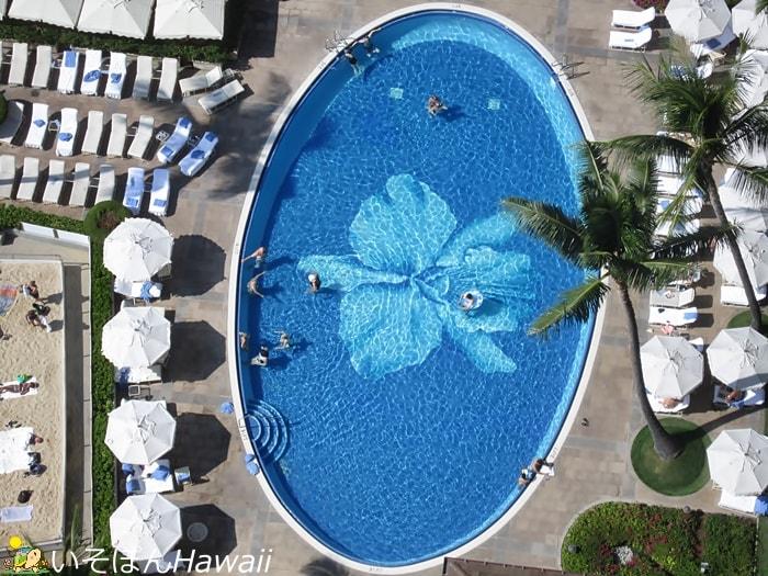 ハレクラニのプールを上から見た画像