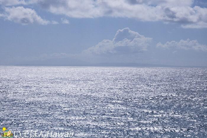 ハロナ潮吹き展望台から見えるモロカイ島