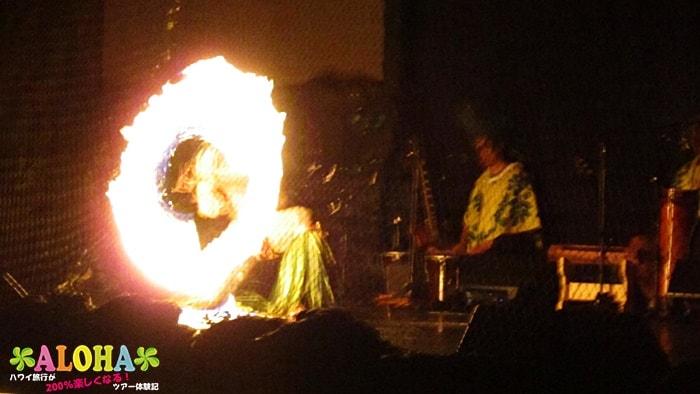 テ・モアナ・ヌイのショーの様子「ファイヤーショー」2