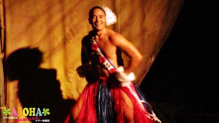 テ・モアナ・ヌイのショーの様子「タトゥーの人」