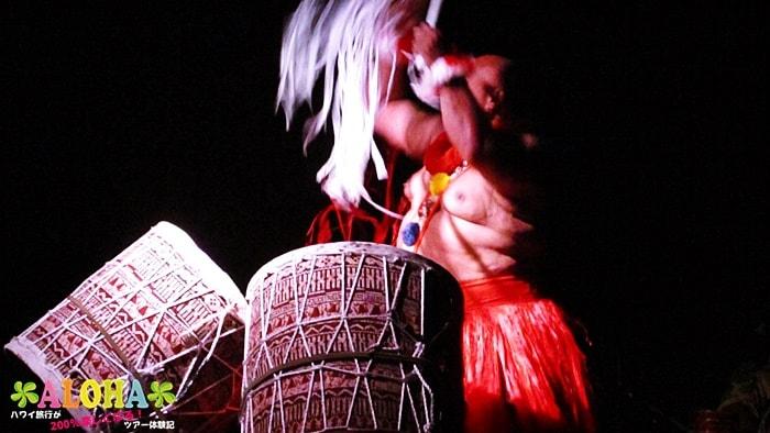 テ・モアナ・ヌイのショーの様子「体が大きい人」