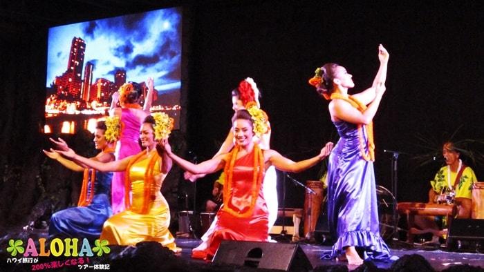 テ・モアナ・ヌイのショーの様子「妖艶なダンス」2