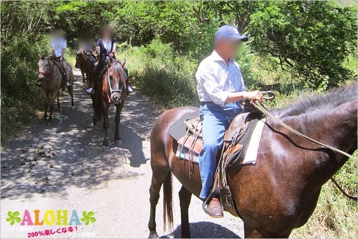 乗馬中の写真