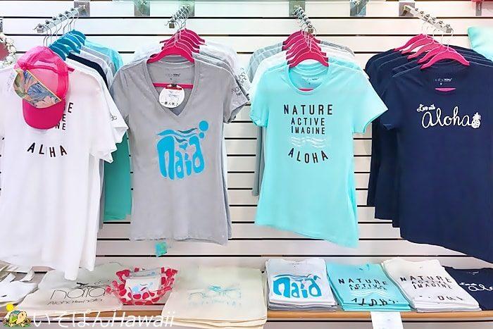naiaのTシャツ